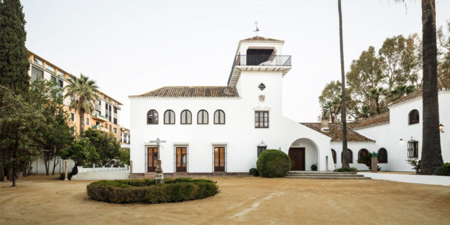 From orchard to events venue with Cascais Beige