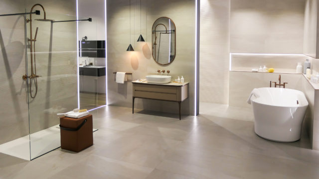 Venis launches its new products at Cersaie